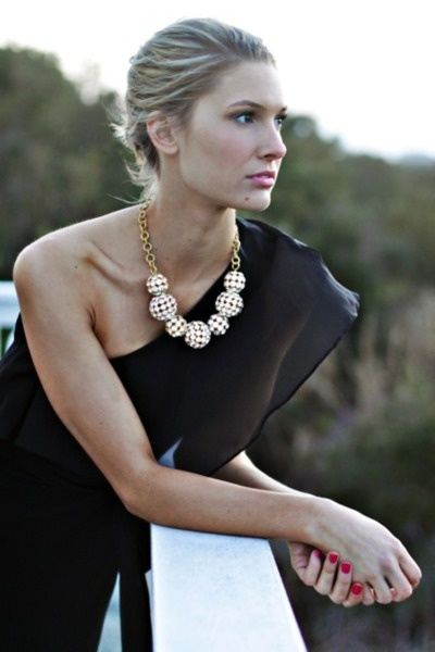 Statement necklace with one shoulder dress