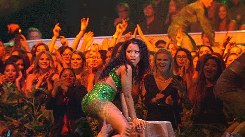 Where's Drake? | The 2014 VMAs Were Officially Sponsored By Butts
