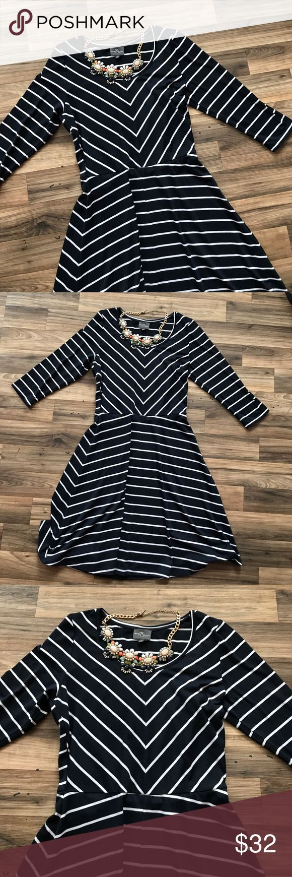 MARKET & SPRUCE small navy and white dress Adorable navy and white stripe Market & Spruce dress. Falls right at knee for me (5'5) 3/4 sleeves. Worn once  market & spruce  Dresses