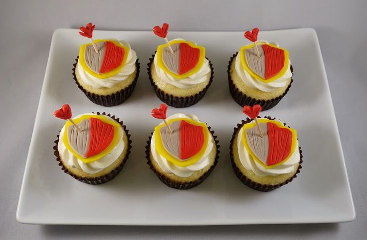 Clash of Clans Shield Cupcakes