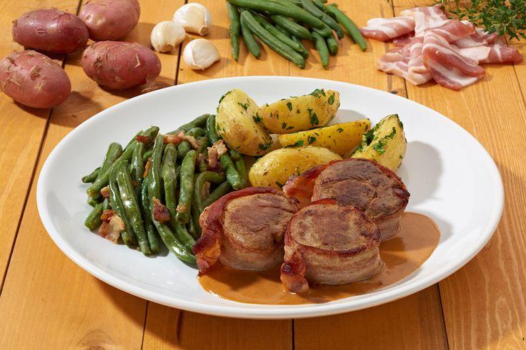 recipe:alt.recipe_for Baconbe göngyölt sertésszűz érmék jus-vel