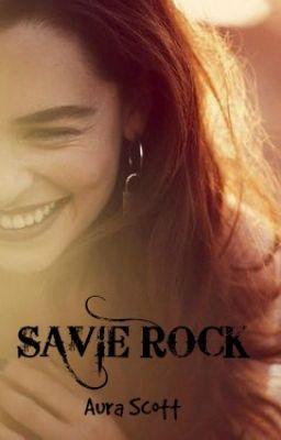 #wattpad #romance Savie Rock es una cantante americana que logró su fama gracias a Youtube, ahora vive en su mansión de Los…