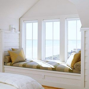 Want this windowseat in my bedroom, however with a different fabric
