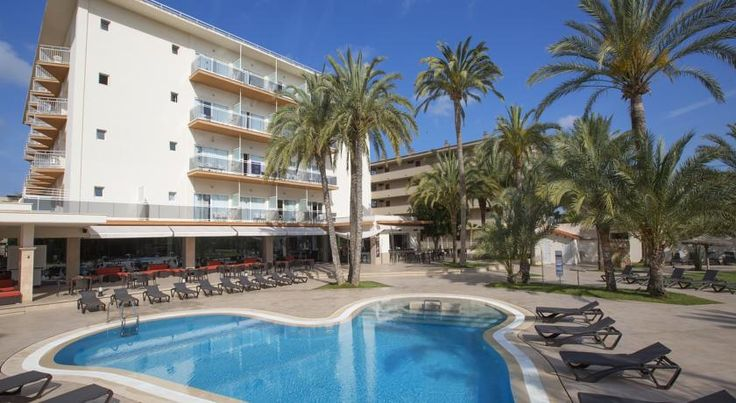 HM Ayron Park Playa de Palma Conveniently situated overlooking Palma Beach and just a short drive from the airport, this hotel is surrounded by a wide range of tourist facilities in Majorca's Playa de Palma resort.