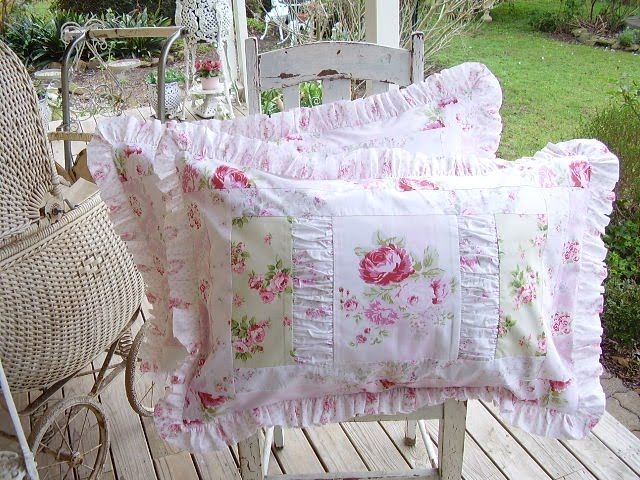 Shabby Chic Pillow Ideas : 218 best Rag Quilts images on Pinterest