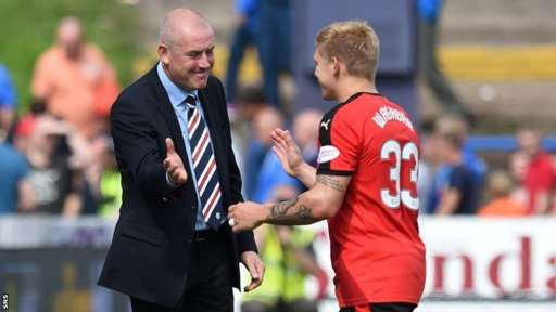 Rangers manager Mark Warburton congratulates Martyn Waghorn on his two goals