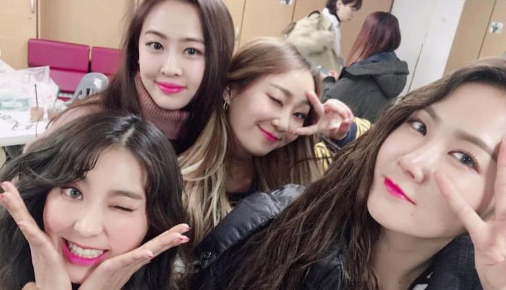 SISTAR Members Pen Emotional Hand-Written Letters To Fans Following News Of Their Disbandment | Soompi