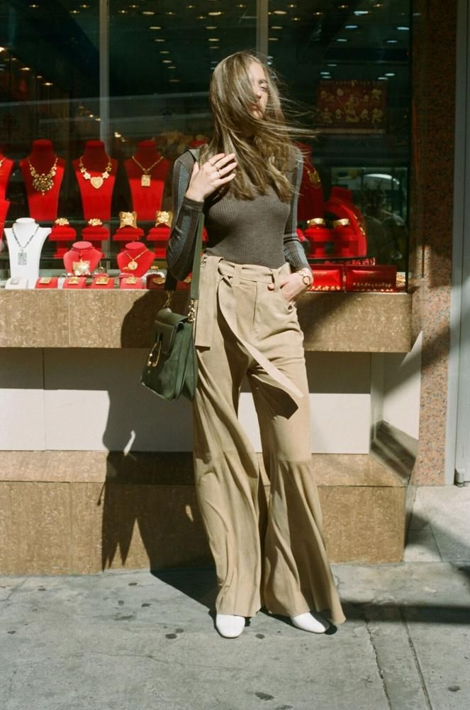 This fall, opt for carry-alls in rich autumnal shades that are   sure to cause bag envy