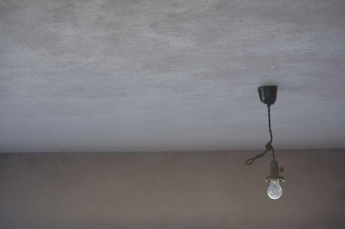【休日ジャック!】壁をダイナミックに塗る! 「ポーターズペイント」で色とたわむれながら、ストレス解消する休日