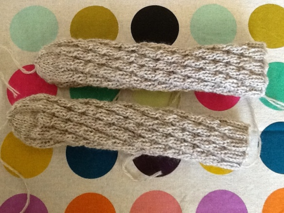 Spiralsokker til baby M. 20130430-110728.jpg