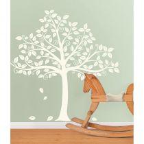 Mooie muursticker met het silhouet van een boom, plak de muursticker op een pastel muur!