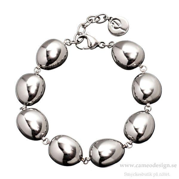 Armband Piedra i stål från EDBLAD´s höstkollektion 2014, 449 kr. http://www.cameodesign.se/edblad-armband-a109-p-3985.html?manufacturers_id=16