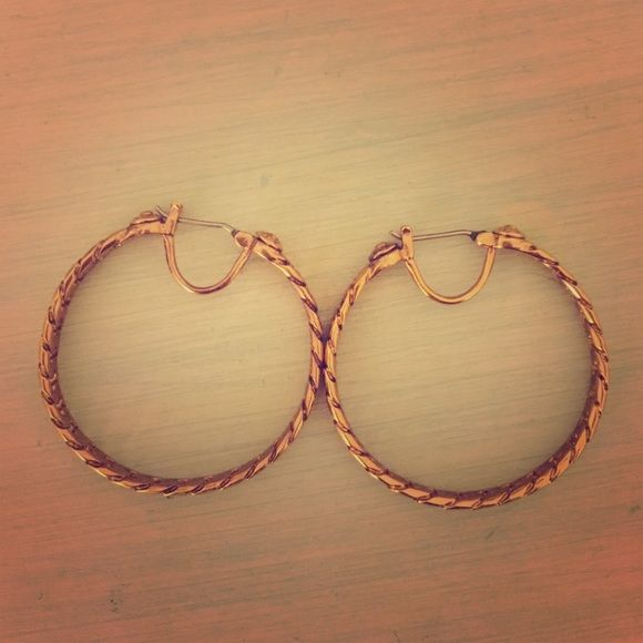 Henri Bendel hoop earrings Henri Bendell Rose Gold medium size hoop earrings henri bendel Jewelry Earrings