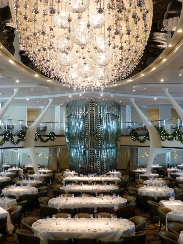 Photo gallery and information on the dozen dining venues on the Celebrity Reflection cruise ship