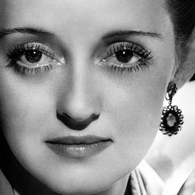 Bette Davis, those Bette Davis eyes!