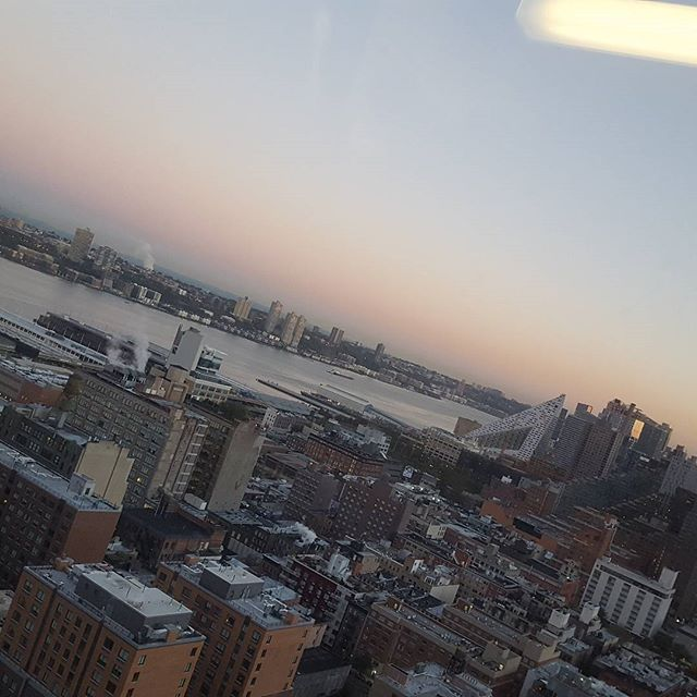 Sunrise on Manhattan's Hudson River. Let's jump into Autumn, ,  my favorite season. @GregoryMikell