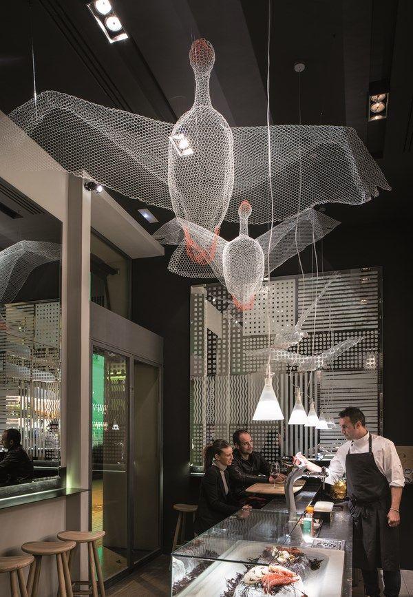 Petit Comitè, el nuevo restaurante de Nandu Jubany diseñado por lagranja. | diariodesign.com. Decoration shop fish BJAD.