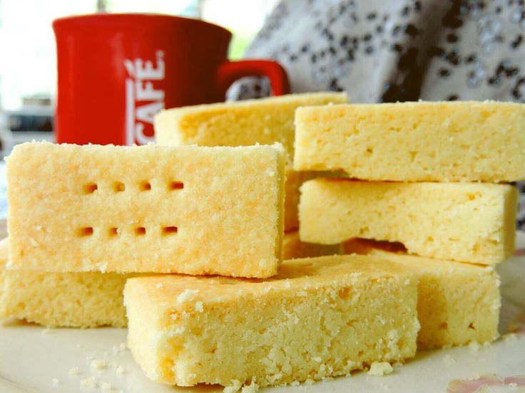 Shortbread Cookies: Simple, scrumptious and sinful buttery cookies that are too easy to make.