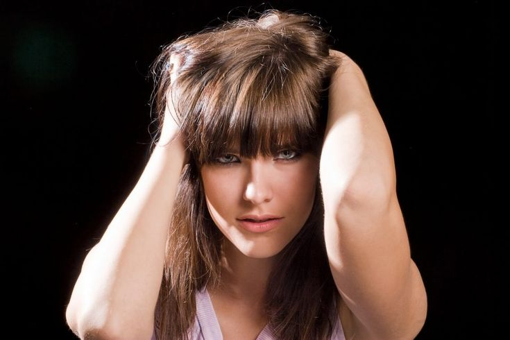 Ponadczasowe fryzury z grzywką