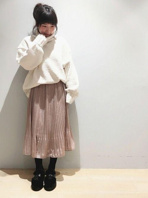 すずちゃんニットと プリーツスカートの着まわし❤️ クリスマスコーデにも いけそうっ✨🎄✨