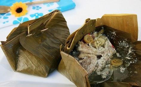 Bagi orang Demak, Kudus, Pati, dan Pekalongan, makanan berbahan baku utama ayam bernama Garangasem yang gurih, pedas, asam ini tentu sudah tidak asing lagi. Aromanya yang harum langsung keluar tatkala bungkus daun pisangnya dibuka.