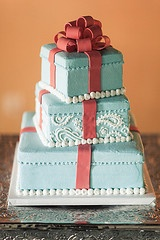This was my red and aqua wedding cake :)