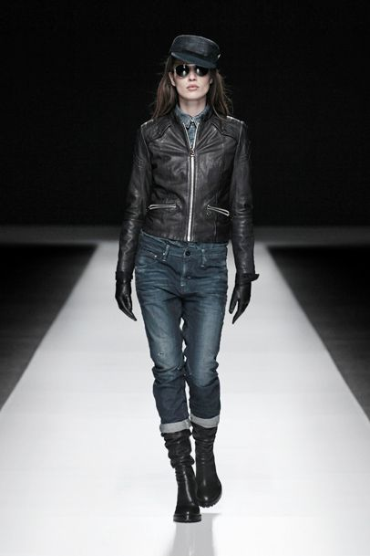 Womens Aviator Leather Jacket & Raw Essentials Arc 3D Tapered Denim Jeans