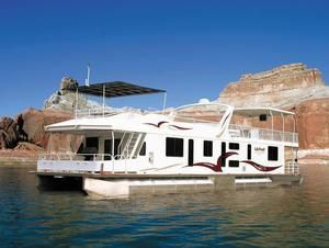 Lake Powell houseboats for rent on Lake Powell in Utah and Arizona - Lake Powell Houseboat Rentals