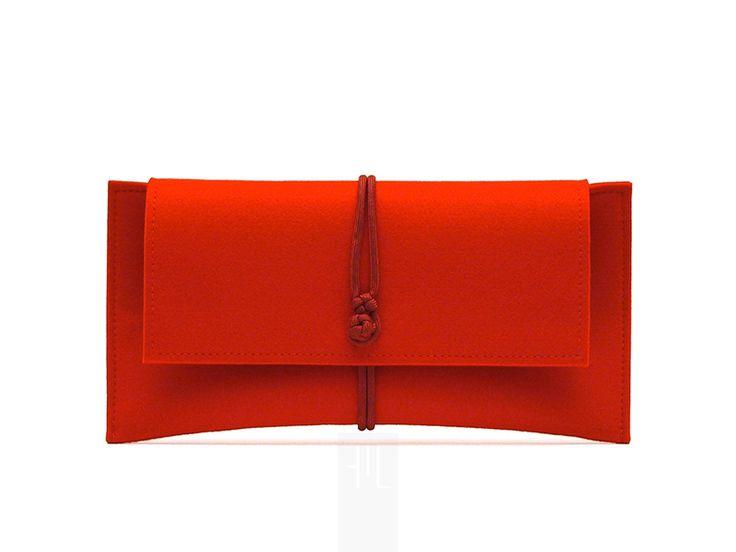 #borsetta in #feltro #bordeaux e chiusura in paracord di FMLdesign su DaWanda.com