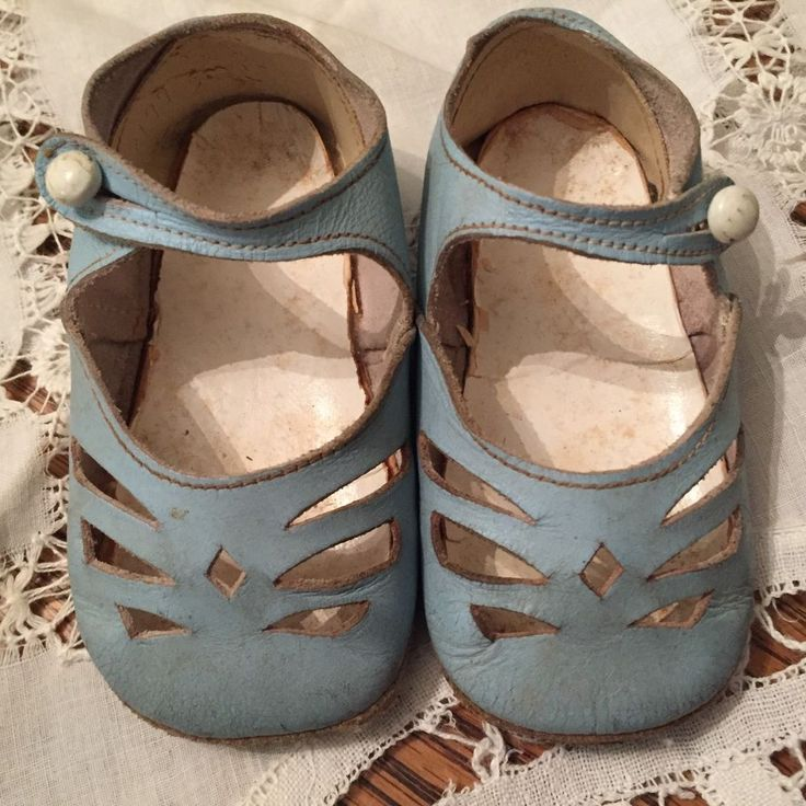 ADORABLE Vintage 1920's Wee Walkers Blue Leather Button Baby / Childs Shoes. Available on ebay through rosesvictorianrose