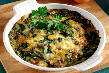 Ομελέτα φούρνου με μανιτάρια και σπανάκια - Συνταγές | γαστρονόμος