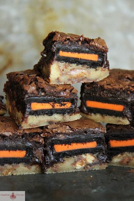 slutty brownies halloween brownies halloween baking oreo brownies ...