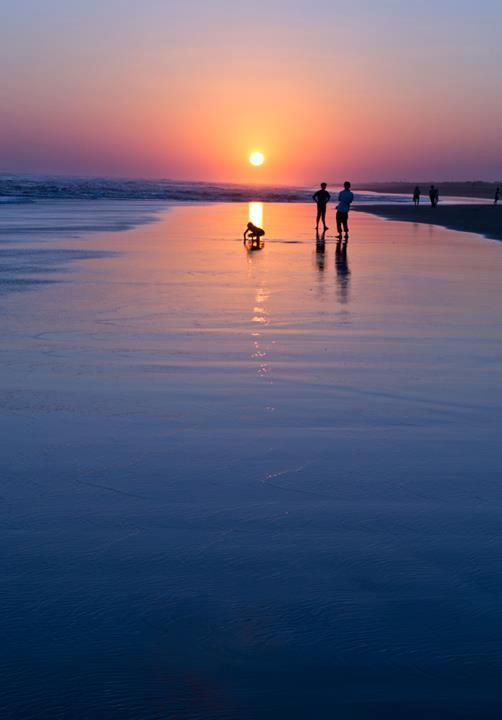 Indonesian Photography Beautiful Sunset, Parangtritis Beach, Jogjakarta #Indonesian cuisine  #indonesian nature http://indostyles.com/