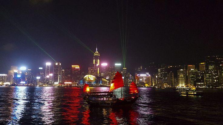 Victoria Harbour lichtshows: A Symphony of Lights & Pulse 3D