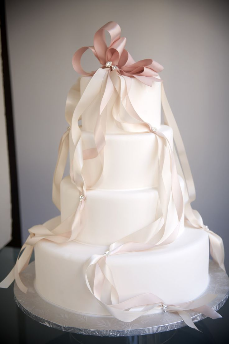 wedding cake ribbon bows 25 best ideas about ribbon wedding cakes on 23679