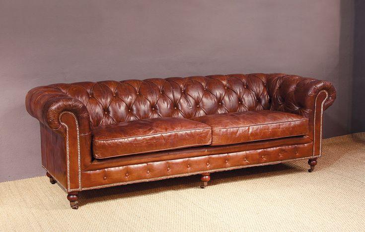 Sofa chester cuero envejecido tachuelas Material: Cuero Relajese en este maravilloso sofa chester de cuero envejecido de color marron claro. Es de estilo ingles y vintage que llenara tu estancia de una exquisita elegancia.... Eur:2896 / $3851.68