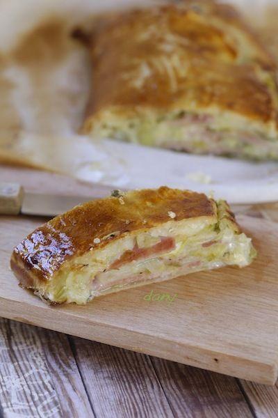 Feuilleté aux jeunes poireaux, jambon et parmesan. 15 min de prépa ! #recette #feuilleté #poireaux #jambon #parmesan