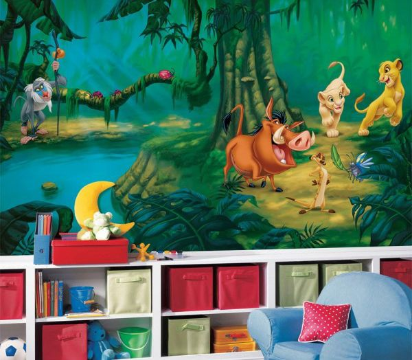 """""""Os seus problemas você deve esquecer…"""" afinal, o Simba e seus amigos chegaram para alegrar a decoração do quarto da molecada. Eles vão adorar a companhia dessa turminha da selva para alegrar o quarto. É só dizer """"Hakuna Matata"""" e conferir!"""