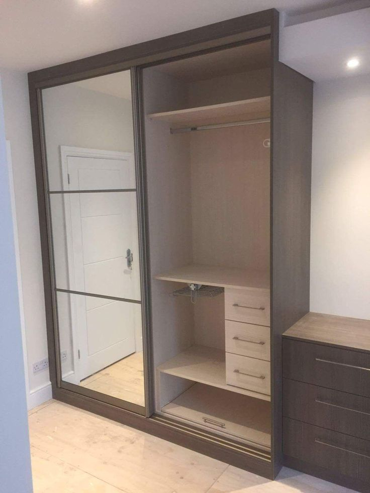 Give your room a touch of excellence with our exclusive range of Designer Fitted Wardrobes.  Chocolate brown EggerBoard with a shiny polished mirror, an outstanding combination for a sliding door wardrobe. Contact +447944554724 Browse more information on : https://www.metrowardrobes.co.uk/ #MirroredWardrobes #BespokeFittedFurniture  #FittedWardrobes #HingedDoorWardrobes #SlidingDoorWardrobes   #FittedWardrobes #FittedBedroomFurniture #BespokeFurniture