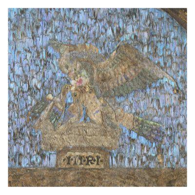 Musée national de la Renaissance (Ecouen)- Salle des Héros Romains- TRIPTYQUE DE LA CRUCIFIXION EN PLUMES, 2: il s'agit là d'une œuvre associant une technique aztèque et un thème européen, celui de la crucifixion.