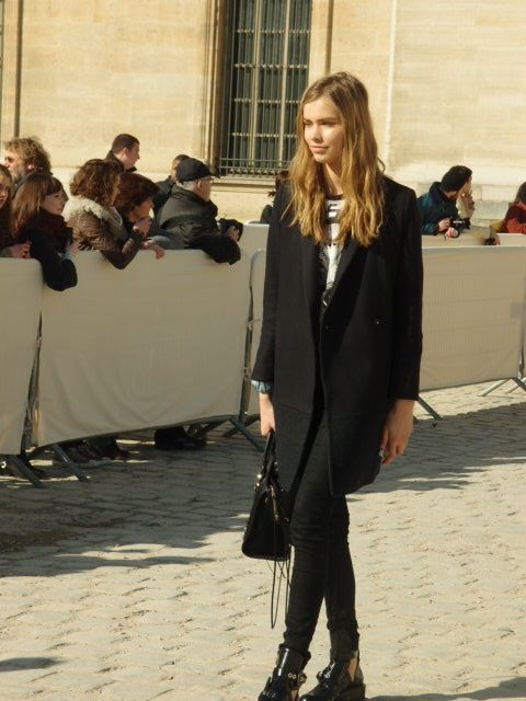 Model at louis vuitton fashion show paris french fashion for French shows
