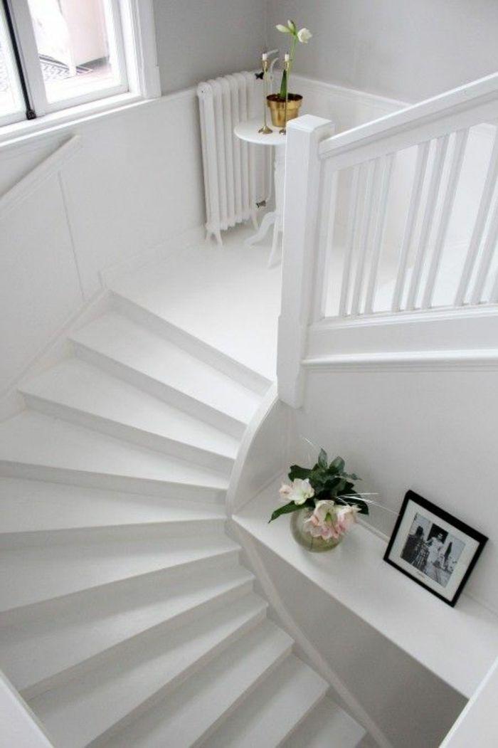 Die besten 25 treppenaufgang gestalten ideen auf - Deko treppenaufgang ...