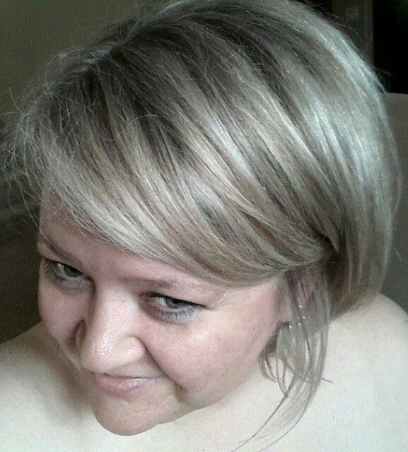 Silver highlights in my blond hair. #silver #hair #highlights