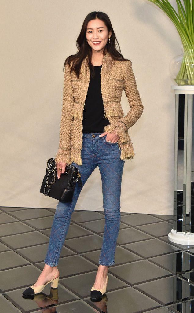 Liu Wen Photos Photos - Chanel : Front Row - Paris Fashion Week - Haute  Couture