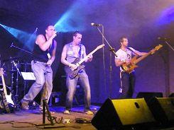 Zenekarszállítás  http://www.lacibusz.hu/zenekar-szallitas