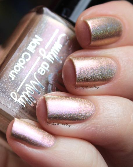 Gold Light of Day swatched by @emilydemolly 1