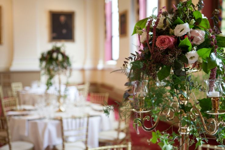 Ivy, lisianthus and roses feature table centre at Royal College of Physicians Dublin