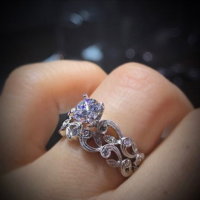 "6,457 Likes, 46 Comments - Diamonds By Raymond Lee (@diamondsbyraymondlee) on Instagram: "" Floral touches  