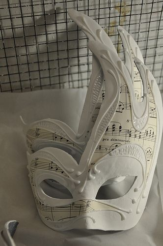 The art of Venetian mask making