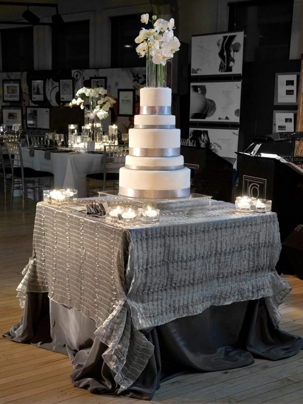 34 best cake tables images on pinterest cake wedding ideas para silver wedding cake table junglespirit Choice Image